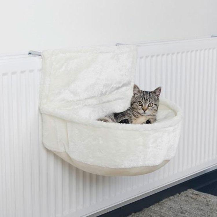 Гамак для кошек на батарею подвесной белый Trixie 43140 – купить по выгодной цене | Гамаки для кошек в интернет-магазине зоотоваров PetsCage.ru